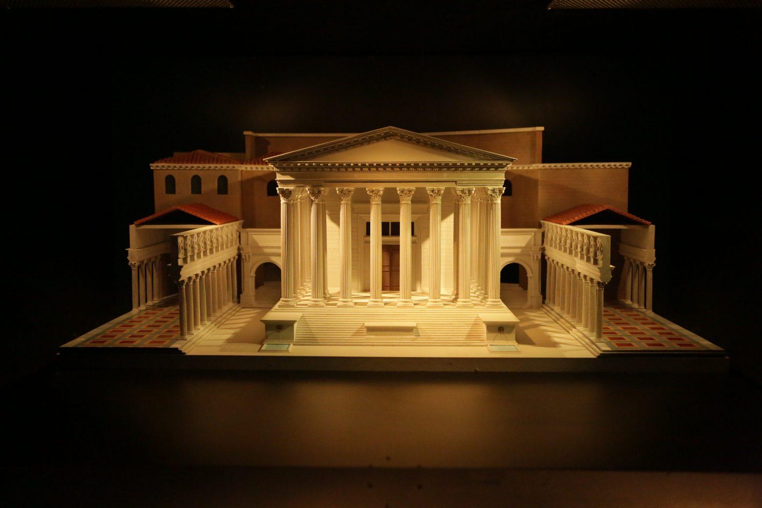 ローマの見どころ-Augusto